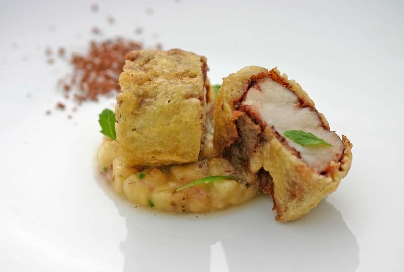 Grouper tempura (paprika, cocoa), banana guacamole